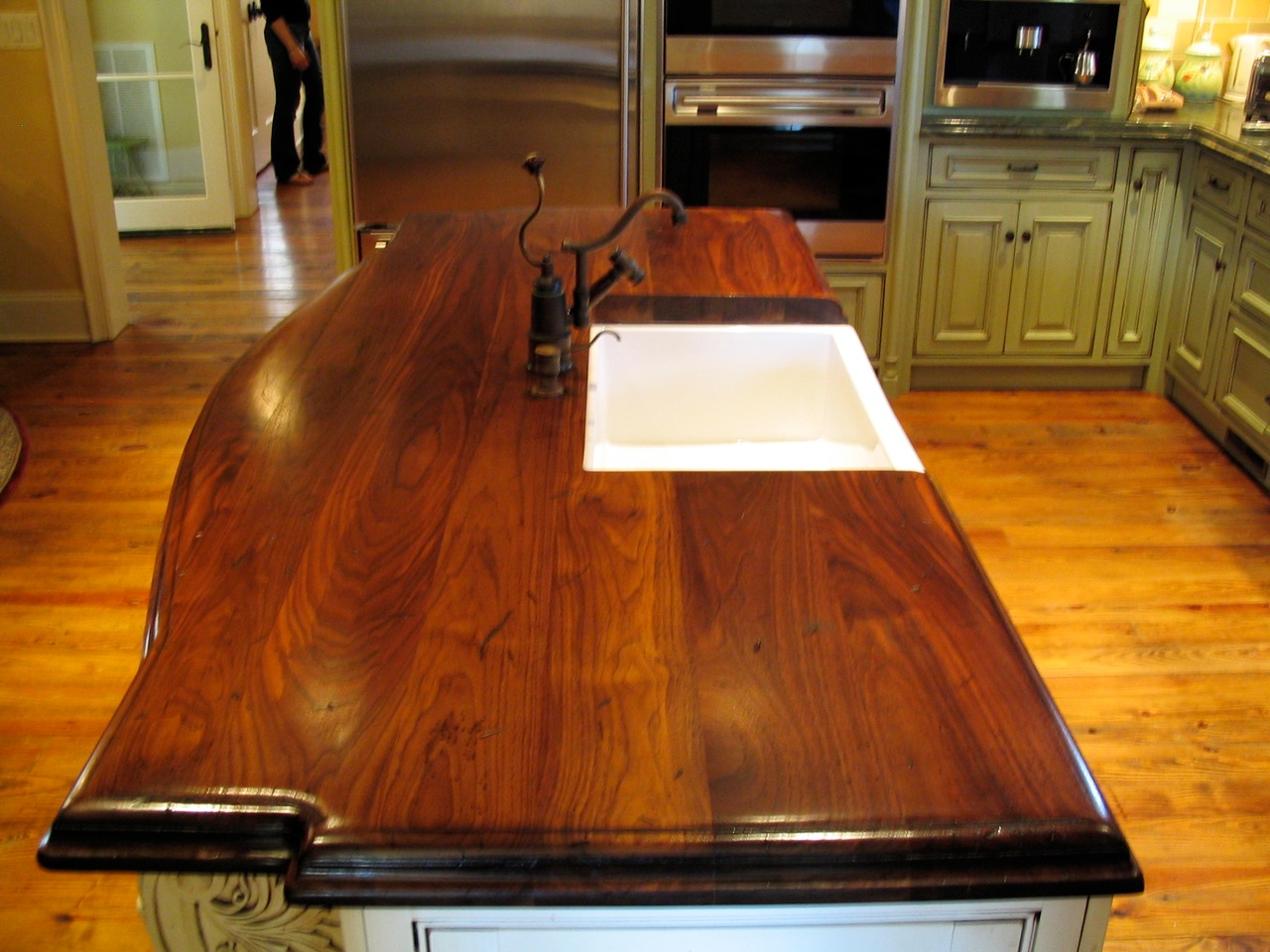 walnut bois countertop live made boisdesign by custom black bathroom edge hand
